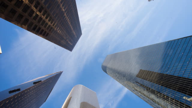 modern office building with moving cloud in los angeles,timelaspe,4k