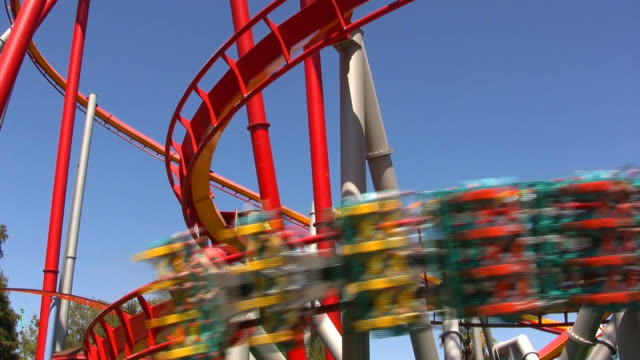modern rollercoaster hd - rollercoaster stock videos & royalty-free footage