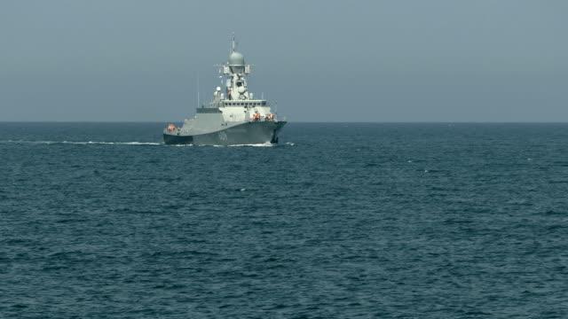 vidéos et rushes de bateau de missile russe moderne - armement