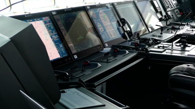 modern ship navigation and control system - sala di controllo video stock e b–roll