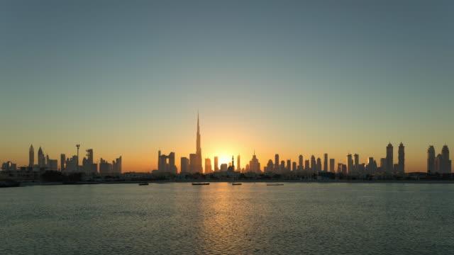 t / l ws moderna skyskrapor i dubai marina,uae - 10 seconds or greater bildbanksvideor och videomaterial från bakom kulisserna