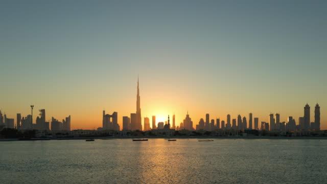 t / l ws zo moderna skyskrapor i dubai marina,uae - 10 seconds or greater bildbanksvideor och videomaterial från bakom kulisserna
