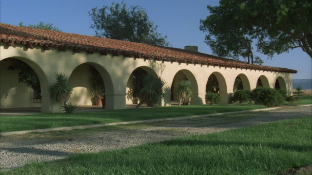 cu, zo, ms, zi, focusing, modern spanish style ranch house - ranch house stock videos & royalty-free footage