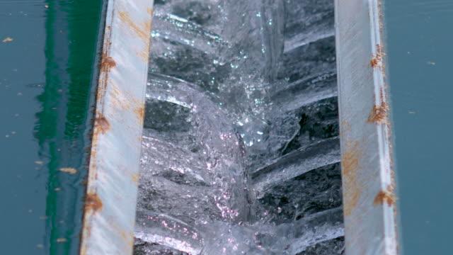 近代都市廃水処理プラント、下水処理プラント。 - 純水点の映像素材/bロール