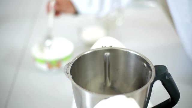 molecular gastronomy - molecular gastronomy stock videos & royalty-free footage