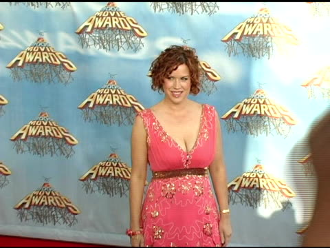 molly ringwald at the 2005 mtv movie awards arrivals at the shrine auditorium in los angeles, california on june 4, 2005. - molly ringwald stock videos & royalty-free footage