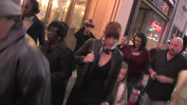 vídeos de stock e filmes b-roll de molly ringwald at the pantages theater in hollywood on 12/1/2011 - pantages theater
