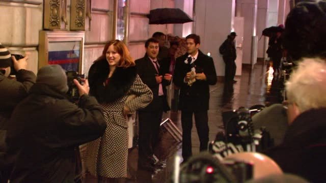 molly ringwald at the the opening of david mamet's new play 'november' at ethel barrymore theatre in new york, new york on january 17, 2008. - molly ringwald stock videos & royalty-free footage