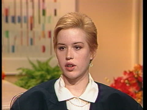 molly ringwald discusses her part in the movie the pick up artist in 1987 - molly ringwald stock videos & royalty-free footage