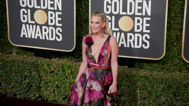 molly sims at the 76th annual golden globe awards at the beverly hilton hotel on january 06, 2019 in beverly hills, california - arrivals- 4k footage - モリー・シムズ点の映像素材/bロール