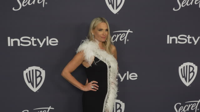 molly sims at the beverly hilton hotel on january 05, 2020 in beverly hills, california. - モリー・シムズ点の映像素材/bロール