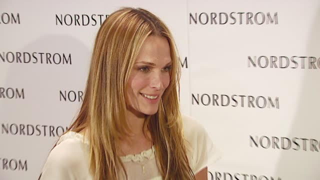 molly sims at the nordstroms store opening at nordstroms @ topanga plaza in topanga california on october 3 2006 - molly sims stock videos & royalty-free footage