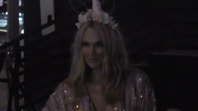 molly sims at the tequila casamigos halloween bash at tower records in west hollywood at celebrity sightings in los angeles on october 27, 2017 in... - モリー・シムズ点の映像素材/bロール