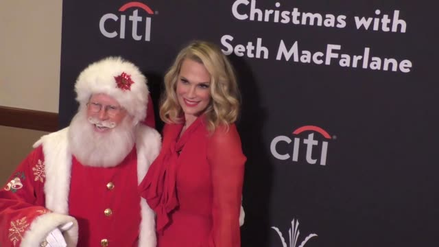 molly sims & santa claus at the grove christmas with seth macfarlane at the grove in los angeles at celebrity sightings in burbank on november 14,... - the grove los angeles stock videos & royalty-free footage