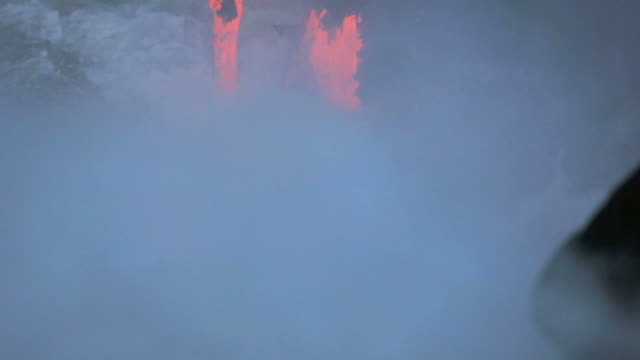 ms molten lava falling into sea / kalapana, hawaii, usa - lava stock-videos und b-roll-filmmaterial