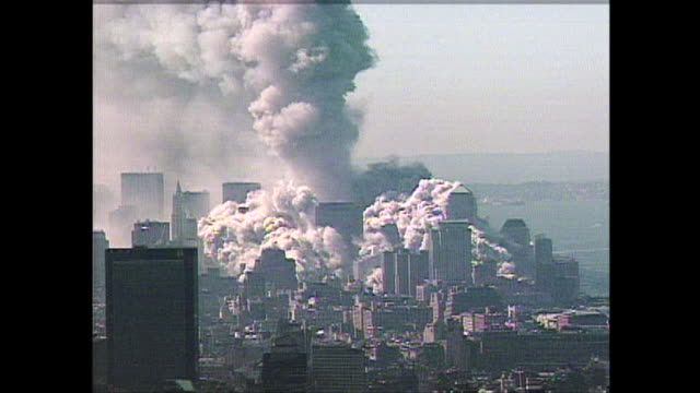 vidéos et rushes de moments after the collapse of the north tower at the world trade center on 9/11. - world trade center manhattan