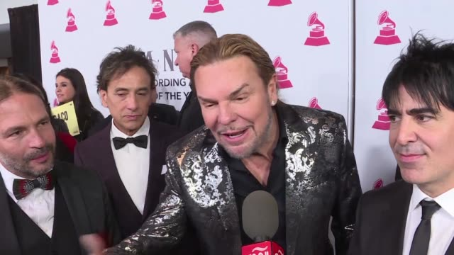 stockvideo's en b-roll-footage met moments before receiving the person of the year award from the latin recording academy mexican rock band mana comments on the situation on the us... - moderne rock