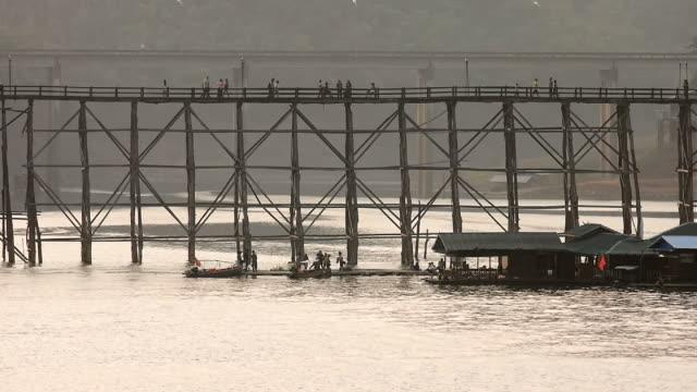 mon wood bridge at sangklaburi, kanchanaburi, thailand - collapsing stock videos & royalty-free footage