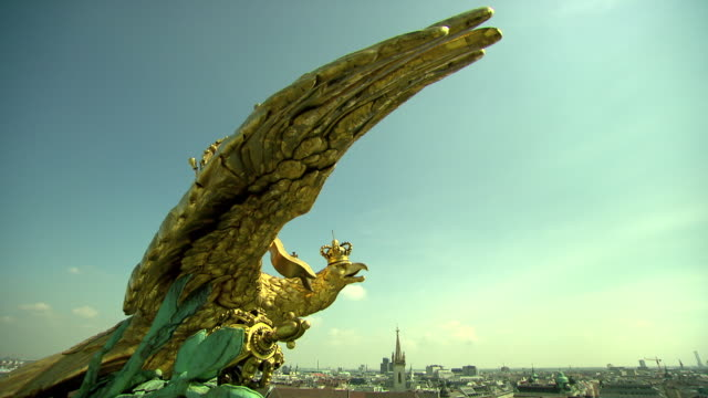 monarchiesymbole - eagle on the roof statue in vienna 03 - traditionally austrian stock videos & royalty-free footage
