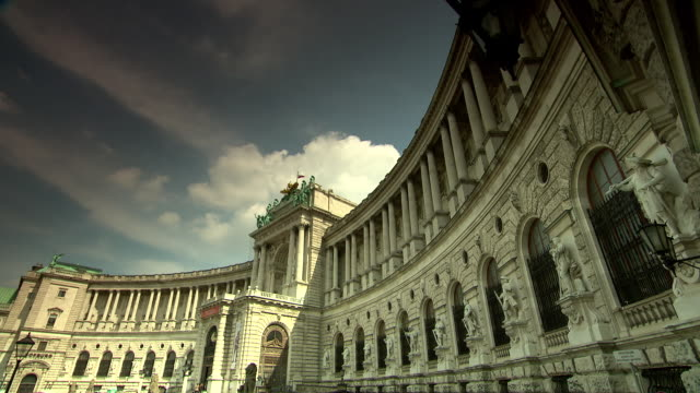 monarchiesymbole - views of the hofburg palace in vienna - palace stock videos & royalty-free footage