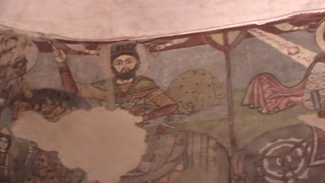vidéos et rushes de monastery of st. anthony. pr on a fresco of equestrian martyrs including claudius and victor. paintings of martyrs represent protection of the... - byzantin