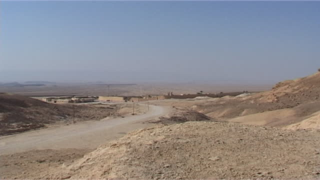 monastery of st anthony view of the isolated ancient coptic orthodox monastery surrounded by the eastern desert - solitude stock videos & royalty-free footage
