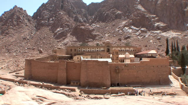ws ha monastery of st catherine and mount sinai rising behind, egypt - monastery stock videos & royalty-free footage
