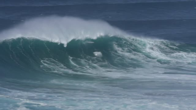 Monday October 24 2016 English Big Wave Surfer Tom Lowe performed a spectacular wipeout while he tried to paddle into a Huge wave in Praia do Norte...