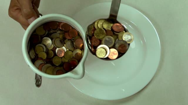 マネーの昼食 - お玉点の映像素材/bロール