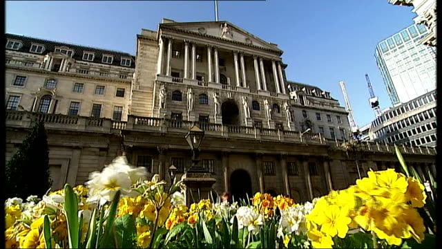 Money markets / Mortgage crisis threat General view of Bank of England building with daffodils in bloom in the foreground
