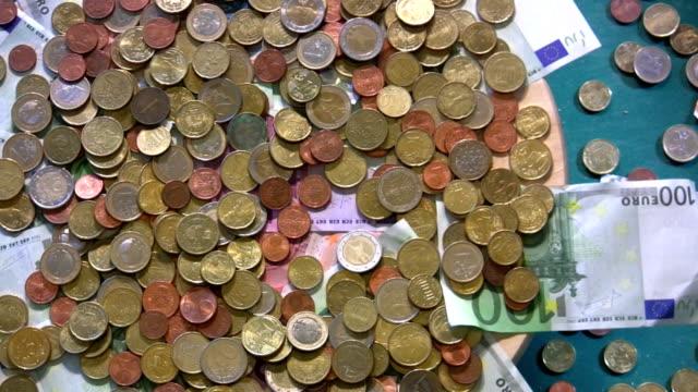 vídeos de stock, filmes e b-roll de hd: dinheiro - nota de cinquenta euros