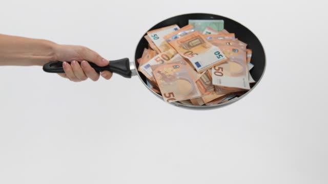 vídeos de stock, filmes e b-roll de money - moeda da união europeia