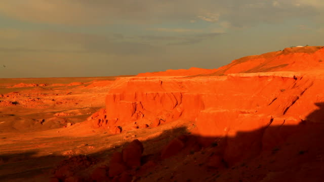 mongolia, gobi desert, bayanzag valley, flaming cliffs. - 30 seconds or greater stock videos & royalty-free footage