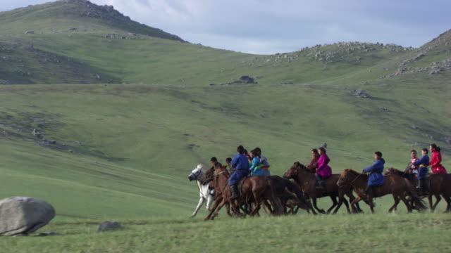Mongolia: Mongolian horse riders