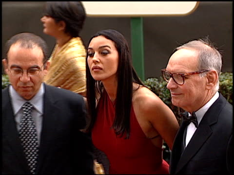 monica bellucci at the 2001 golden globe awards at the beverly hilton in beverly hills california on january 21 2001 - feierliche veranstaltung stock-videos und b-roll-filmmaterial