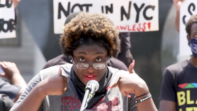 vidéos et rushes de monik walters - co-founder of black women's march @blackwomxnsmarch. the event was organized by freedom march nyc a protest group civil rights... - non urban scene