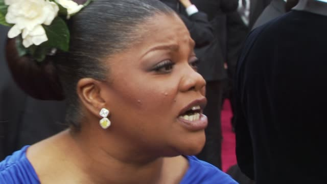 stockvideo's en b-roll-footage met mo'nique at the 82nd annual academy awards arrivals at hollywood ca - 2010