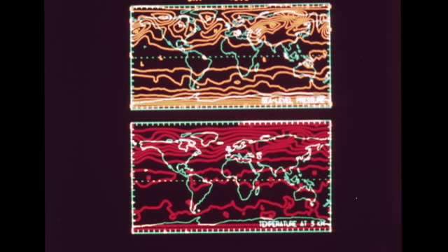 vídeos de stock, filmes e b-roll de monitor displaying theoretical computer generated electronic temperature sealevel pressure weather maps 1960s forecasting meteorology technology... - meteorologia