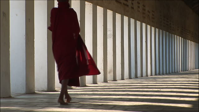 mönch - buddhismus stock-videos und b-roll-filmmaterial