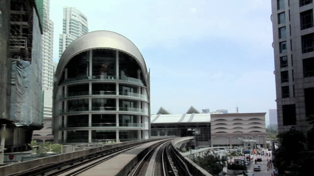 vidéos et rushes de ws pov monorail going from sentral to south / kuala lumpur, malaysia   - monorail
