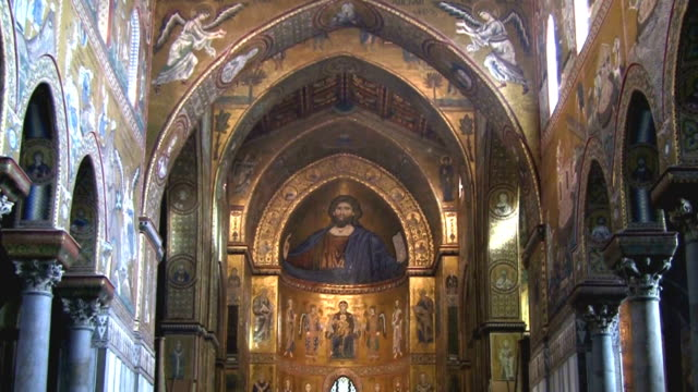 monreale cathedral, sicily italy. - männliche figur stock-videos und b-roll-filmmaterial