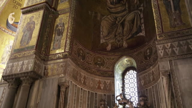 monreale cathedral,interior, view of the apse with the altar, palermo, sicily. - apse stock videos & royalty-free footage