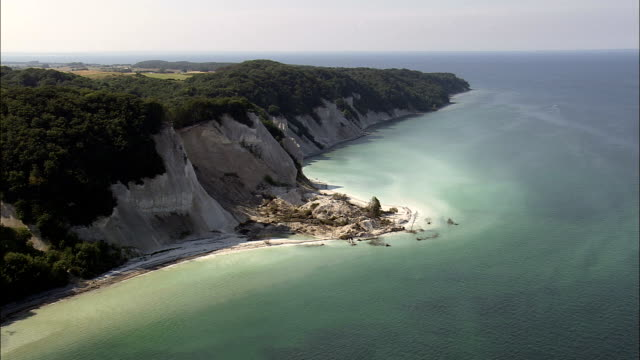 mons klint  - aerial view - zealand, denmark - eroded stock videos & royalty-free footage