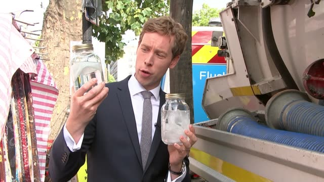 'Monster Fatberg' blocking London sewers Whitechapel EXT Wet wipe put into jar and reporter demonstrating that wet wipes do not dissolve in water SOT