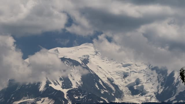 mont blanc or monte bianco both meaning white mountain is the highest peak in europe outside of the caucasus rangeit rises 4807 m above sea level the... - alpi video stock e b–roll
