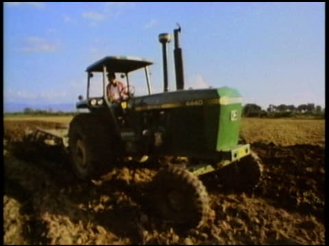 stockvideo's en b-roll-footage met 1986 - montage, agriculture and rural life in mexico - 1986