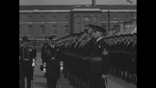 montage king george vi conducts military review of sailors and naval personnel / note exact day not known - 1937 stock-videos und b-roll-filmmaterial