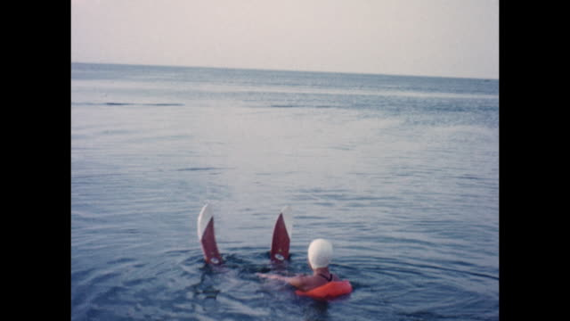 montage of an adult woman water skiiing. - waterskiing stock videos & royalty-free footage