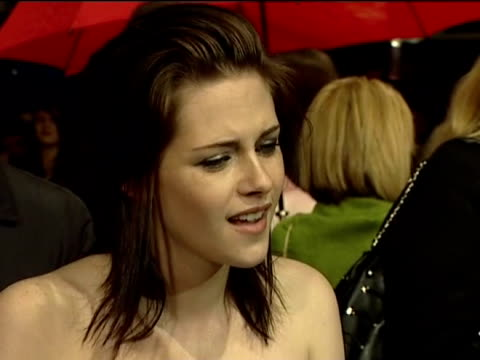 montage of celebrities including kristen stewart tom ford gabourey sidibe carey mulligan and andy serkis at british academy film awards; 21 february... - andy serkis stock videos & royalty-free footage