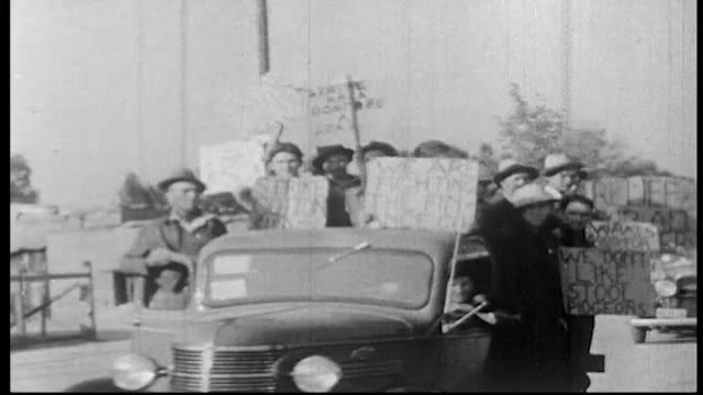 vidéos et rushes de montage of scenes from strikes in california from fresno in 1917 to el centro in 1961 / california migrant farm workers struggled to better their... - fresno